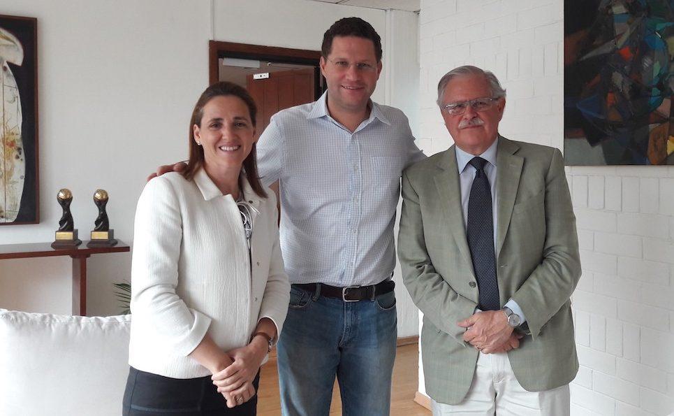 Gloria Ostos (Participa), Mauricio Rodas (Alcalde de Quito), Carlos Gadsden (FIDEGOC). Quito, 2016.