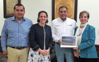 Luis Alberto González (SG Los Cabos), Gloria Ostos (Participa), Arturo de la Rosa (Alcalde de Los Cabos), Margarita Díaz (OCI Los Cabos), 2018.